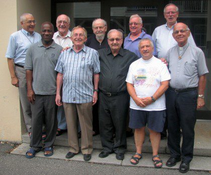 Fr. Ornelas (back left) and Fr. John (back right) with the Montréal community on the first stop of the North American visitation.